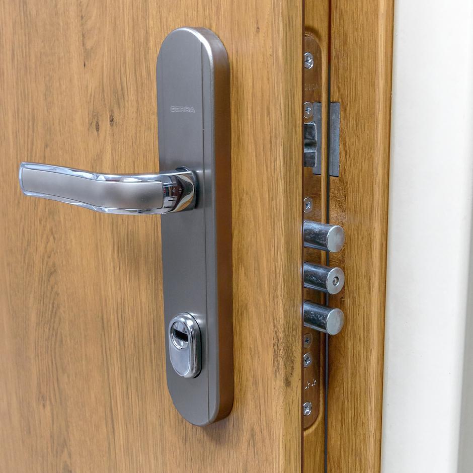 Drzwi wejściowe i antywłamaniowe